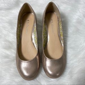 CL By Laundry Marcie rose gold metallic Wedge 8.5M